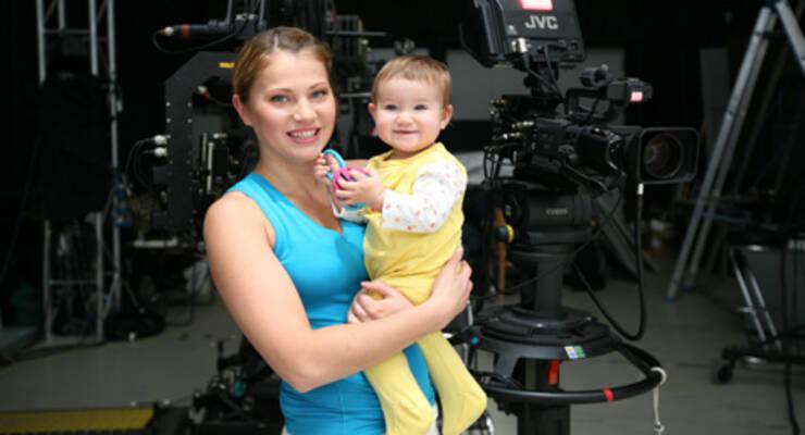 Фото к статье: «Фитнес-мама» в эфире «ЖИВИ!»