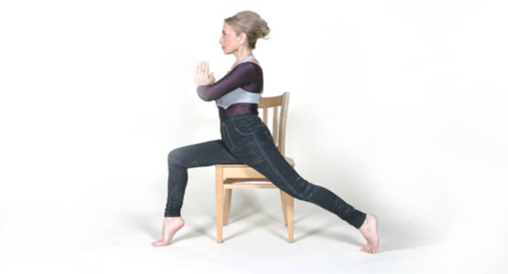 Фото к статье: Йога на стуле от Татьяны Лисицкой