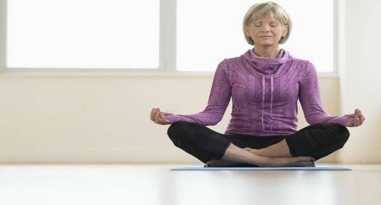 Фото к статье: Антиэйдж: 4 асаны йоги с омолаживающим эффектом