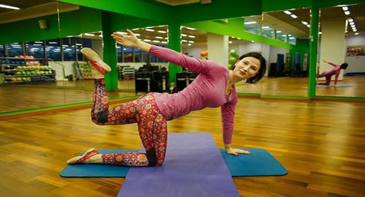 Фото к статье: Красивая спина и плоский живот: 5 упражнений для верхней части тела