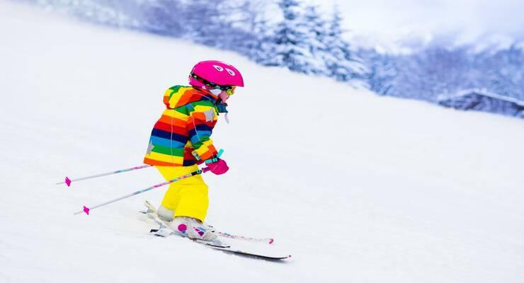 Фото к статье: Зимний спорт: как поставить ребенка на лыжи, сноуборд и коньки