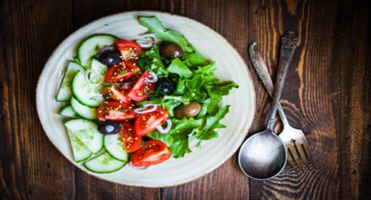 Фото к статье: Летнее меню: как правильно питаться в жару