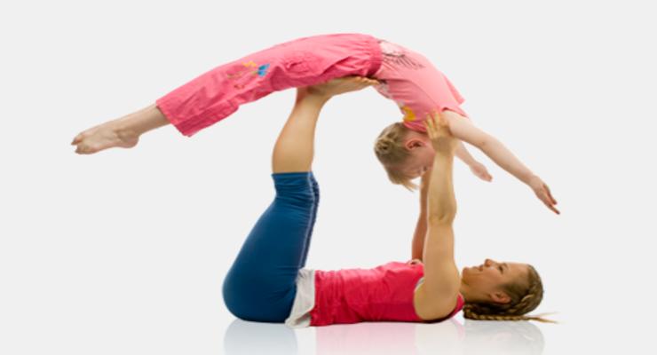 Фото к статье: «Семейная йога для детей и взрослых» с Юлией Шелковиной