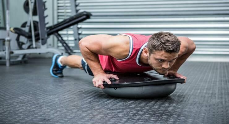 Фото к статье: 5 лучших упражнений на платформе Bosu