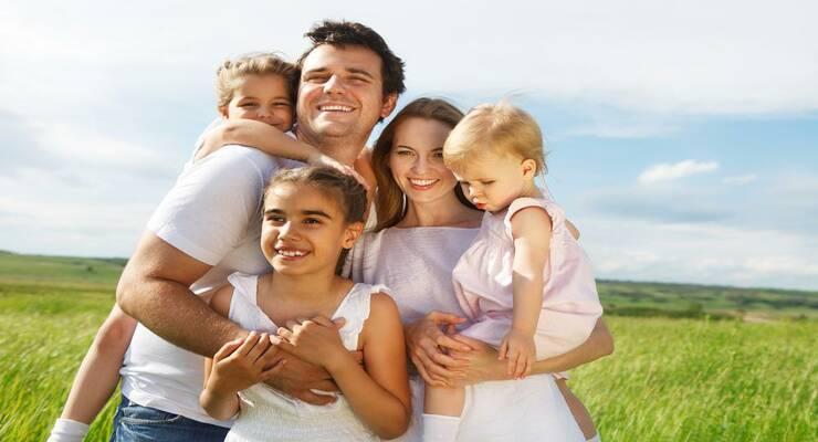 Фото к статье: Один, два или несколько детей в семье: как воспитывать правильно