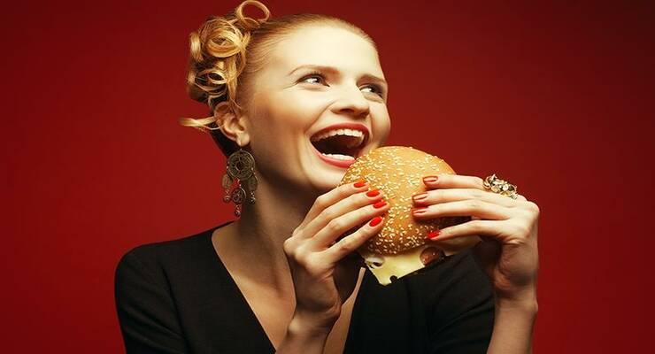 Фото к статье: Как есть вредную еду и не толстеть?