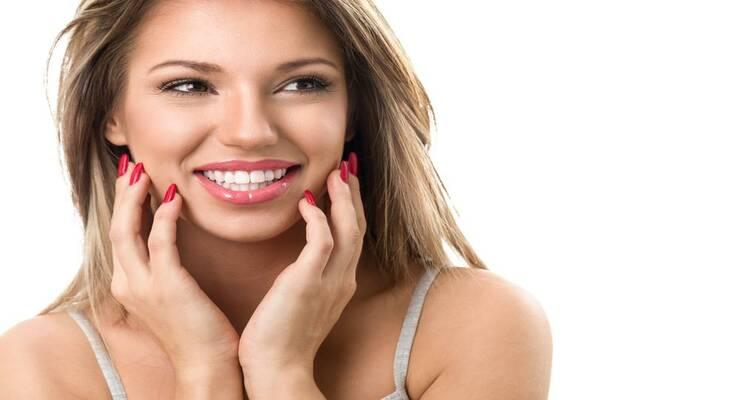Фото к статье: 7 интересных способов отбелить зубы в домашних условиях