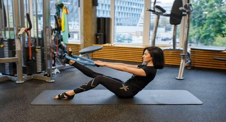 Фото к статье: 6 упражнений пилатеса  для здоровья позвоночника
