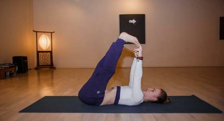 Фото к статье: Без суеты: асаны йоги для расслабления