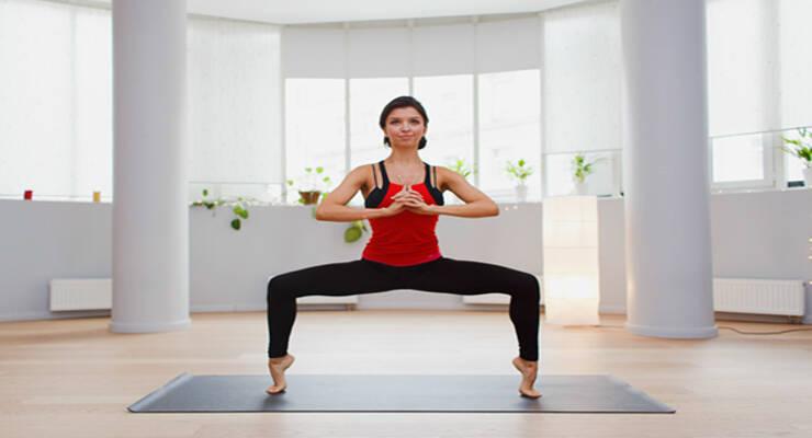 Фото к статье: Худеем к лету: интервальная тренировка по йоге
