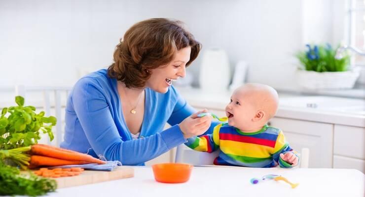 Фото к статье: Когда малышам вводить первый прикорм: схема
