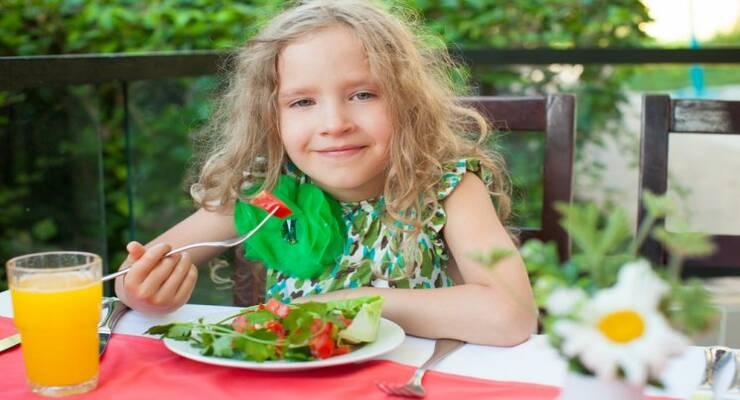 Фото к статье: Что приготовить, если ребенок плохо ест в жару