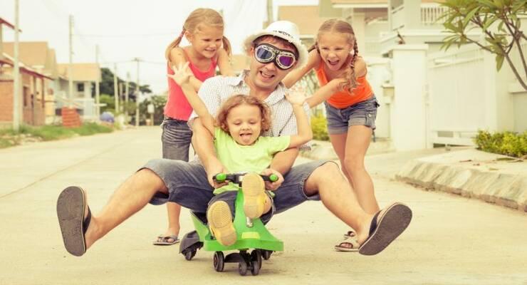 Фото к статье: Зачем ребенку нужен дядя