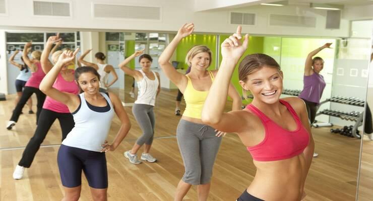 Фото к статье: 5 способов тратить больше калорий, занимаясь зумбой