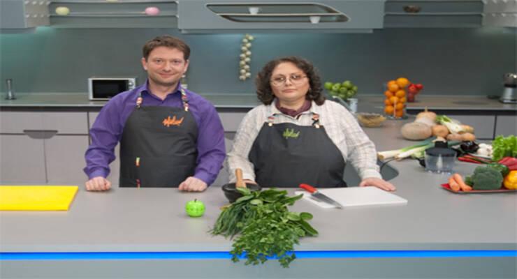 Фото к статье: «Хорошая еда» с генетиком. Пряный томатный суп, чай из тмина и закуска из зелени с грецким орехом