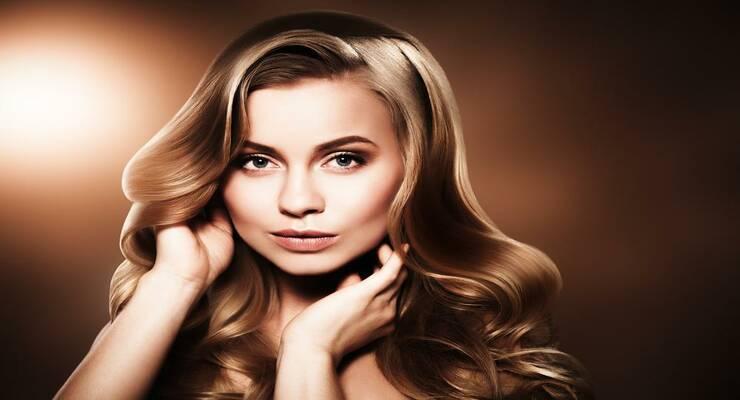 Фото к статье: 5 средств, которые сделают волосы гладкими и блестящими: протестировано редакцией