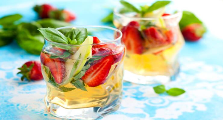 Фото к статье: Лучшие летние безалкогольные коктейли: рецепты напитков на пряных травах