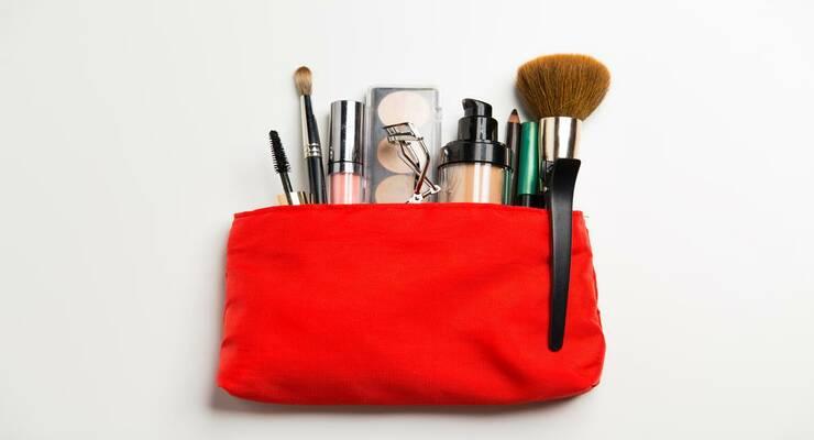 Фото к статье: Дамская сумочка опасна для здоровья