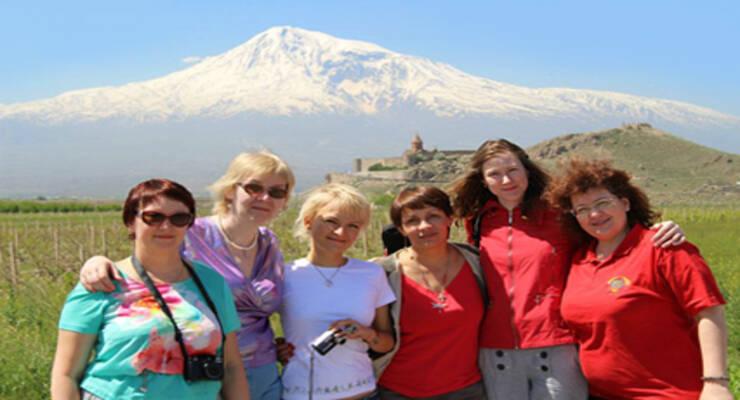 Фото к статье: Йога-тур в Армению: древние святыни, избавление от страхов и брамари с коровой