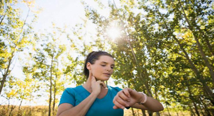 Фото к статье: Как считать пульс в минуту на тренировке?