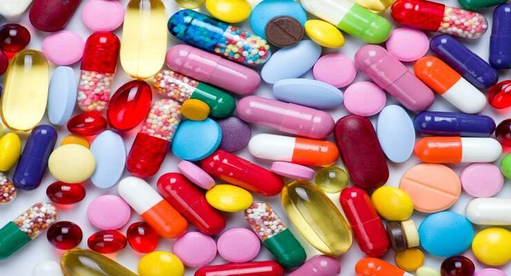 Фото к статье: Как принимать лекарства: важные правила
