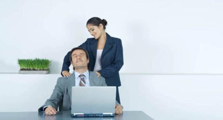 Фото к статье: Самомассаж в офисе. Часть 2 (ВИДЕО)