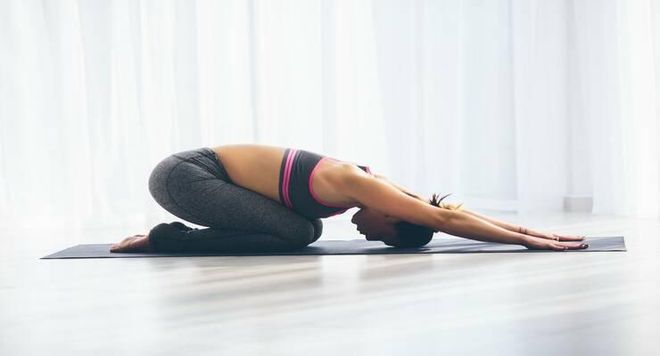 Фото к статье: Асаны йоги, которые улучшают работу кишечника