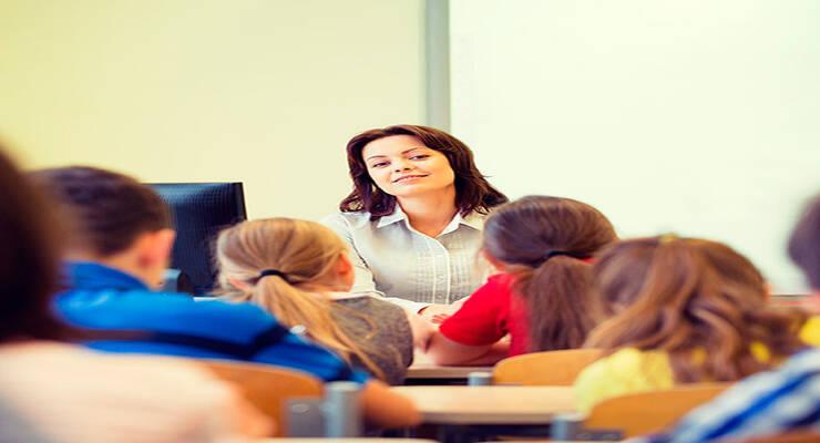 Фото к статье: Учительница первая его: как установить с ней контакт?