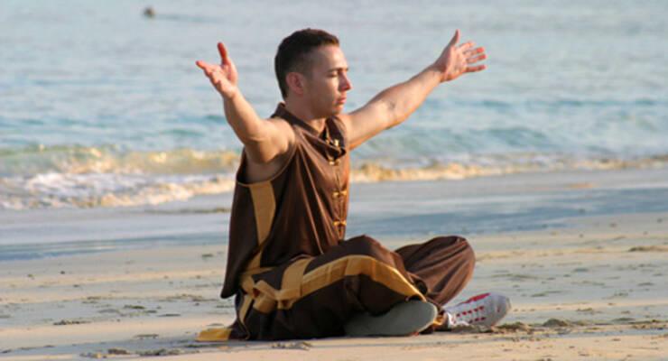 Фото к статье: «ЖИВИ!» на пляже: в том же месте, в тот же час