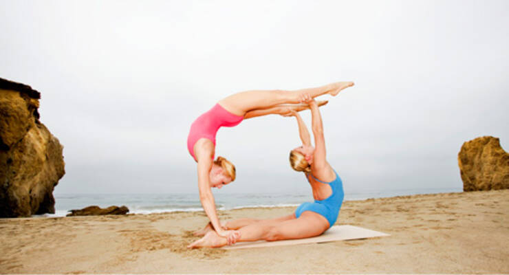 Фото к статье: Как Алена Мордовина смешивает разные школы йоги