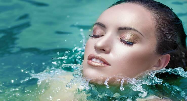 Фото к статье: Стойкий макияж: как использовать водостойкие средства декоративной косметики