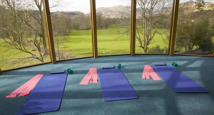 Фото к статье: Фитнес-йога