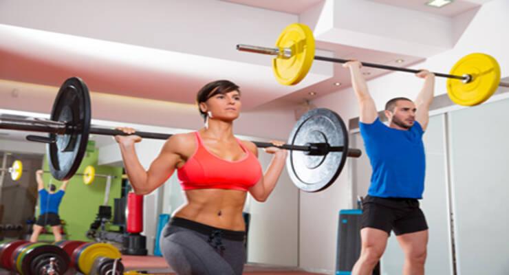 Фото к статье: Модные тренировки: кроссфит, акро-йога, TRX