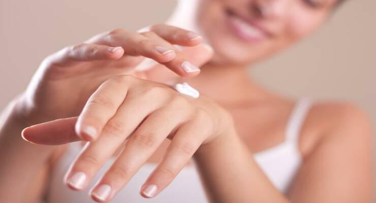 Фото к статье: Возьмемся за руки: уход за кожей рук осенью