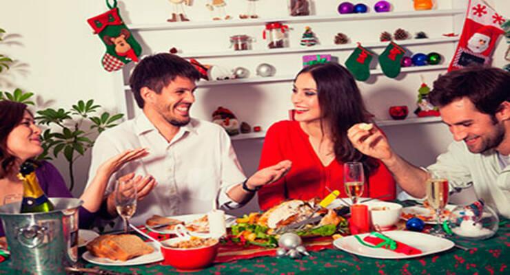 Фото к статье: Новогодний стол без вреда для фигуры: 10 правил