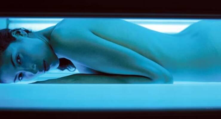 Фото к статье: Как правильно загорать в солярии