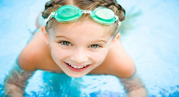 Фото к статье: Как помочь ребенку научиться плавать