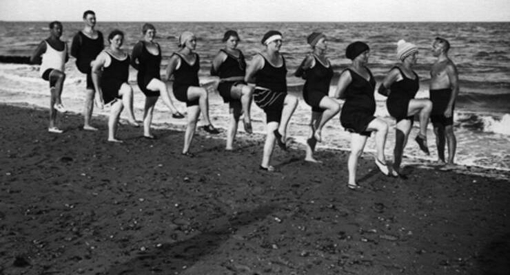 Фото к статье: Фитнес на пляже: программа интервальных тренировок