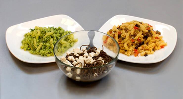 Фото к статье: «Хорошая еда» с балериной. Фузилли, песто и лапша с тофу