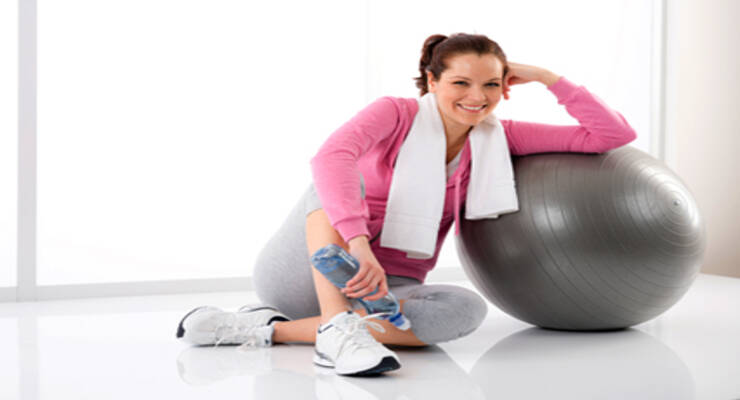 Фото к статье: Фитнес после родов: как прийти в форму молодым мамам