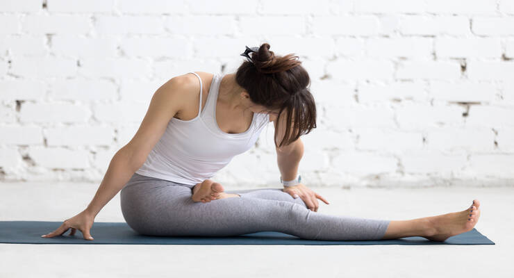 Фото к статье: Асаны йоги, которые помогут в лечении артрита (ФОТО)