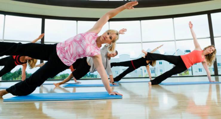 Фото к статье: Комплекс упражнений силовой йоги для похудения