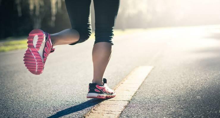 Фото к статье: Как выстроить тренировки по бегу на разных покрытиях