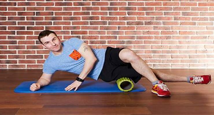 Фото к статье: Тренировка с массажным роллом