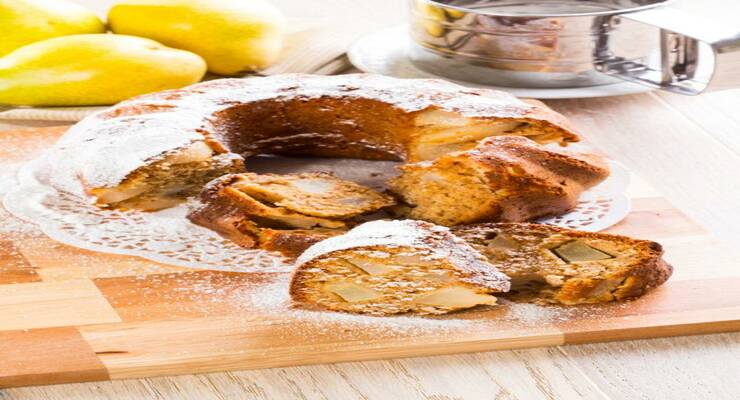 Фото к статье: Медовый кекс с грушами