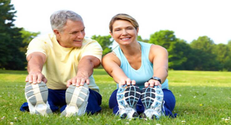 Фото к статье: Растяжка: упражнения для пожилых людей и не только