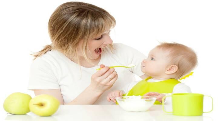 Фото к статье: Кормление с ложечки провоцирует у детей ожирение