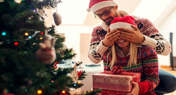 Фото к статье: Как понять, какой подарок хочет женщина: инструкция для мужчин