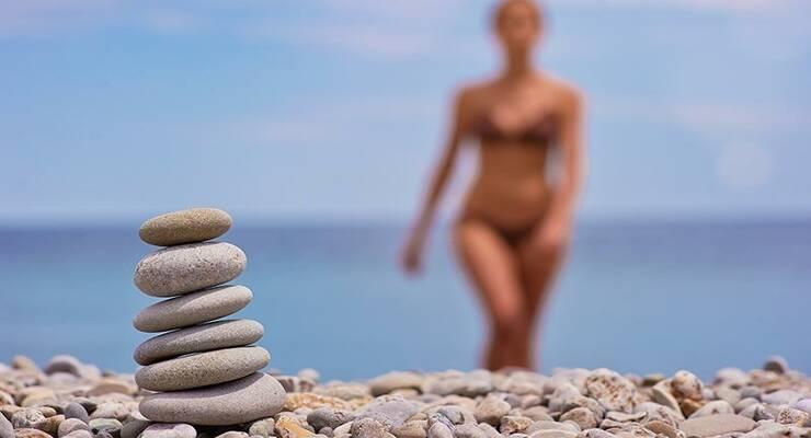 Фото к статье: Спа-процедуры с морским песком  и галькой