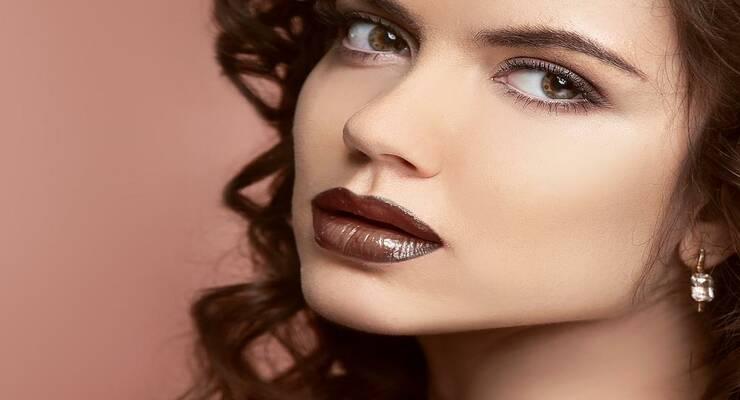 Фото к статье: Тренд сезона: бежевые губы